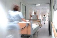По больничным палатам потоками воздуха разносятся супербактерии