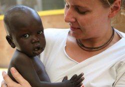 «Врачи без границ» начали войну с бешенством в Африке