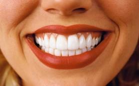 Особенности выравнивания зубов пластинами и брекет системами