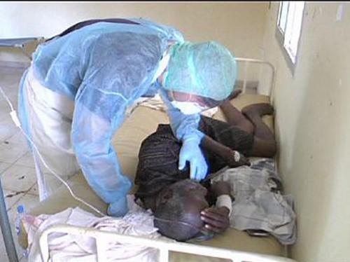 Из-за лихорадки Эбола в Либерии ввели чрезвычайное положение