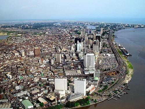 Число случаев лихорадки Эбола в Нигерии достигло десяти