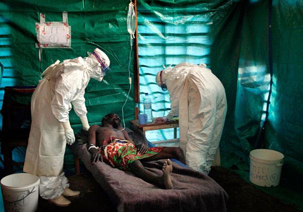 В Либерии закрывают школы из-за эпидемии