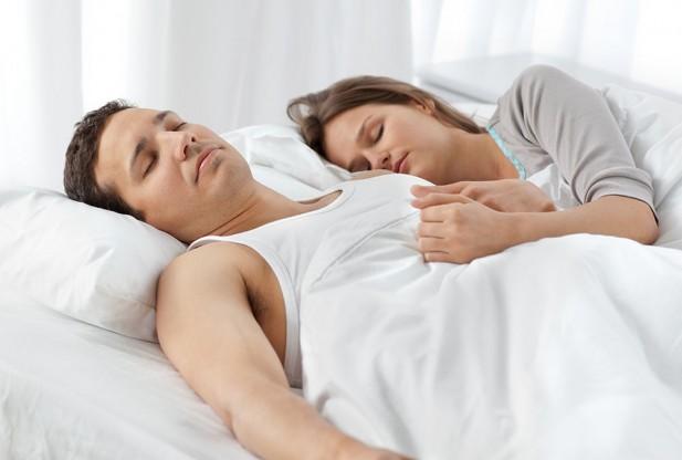 Ученые: одежда для сна может стать источником опасных инфекций
