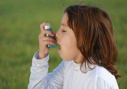 У детей неконтролируемая астма приводит к ухудшению психического здоровья