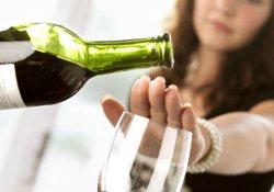 Больным вирусным гепатитом С следует навсегда отказаться от спиртного