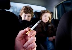 В Англии будут штрафовать за курение в автомобиле, перевозящем ребенка