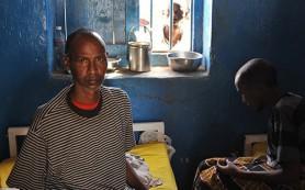 ВОЗ: выживших после Эболы преследуют боли и проблемы со зрением