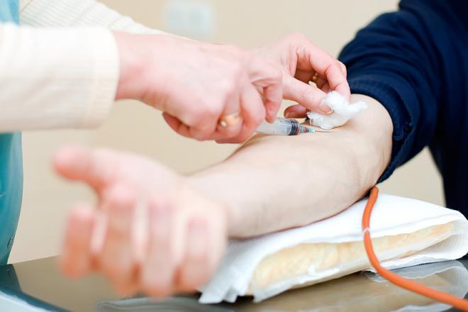 Тюменцев призывают регулярно сдавать анализы на гепатиты