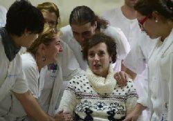 Испанская медсестра, переболевшая лихорадкой Эбола, напомнила о своей утрате