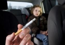 Новый закон о курении в автомобилях уменьшит опасность для детей