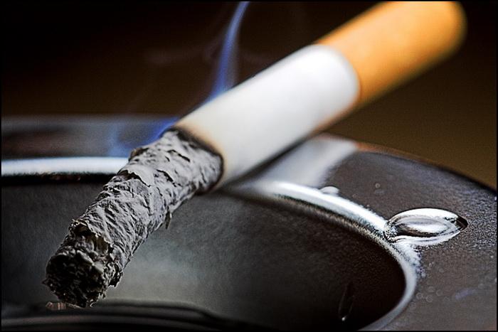 Почему так трудно бросить курить