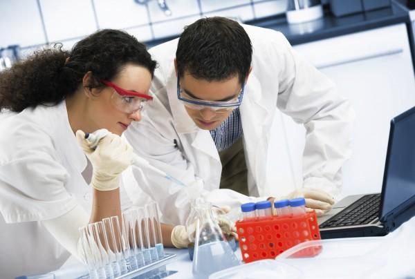Российские ученые «научат» стволовые клетки побеждать гепатит