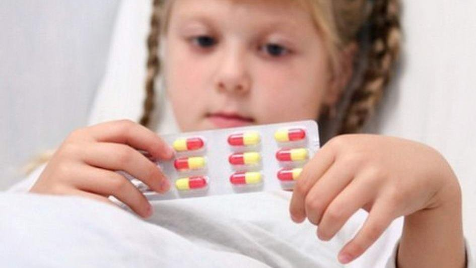 Прием антибиотиков вызывает у маленьких детей аллергию