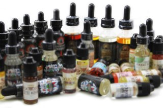 Ученые советуют отказаться от клубничных жидкостей для электронных сигарет