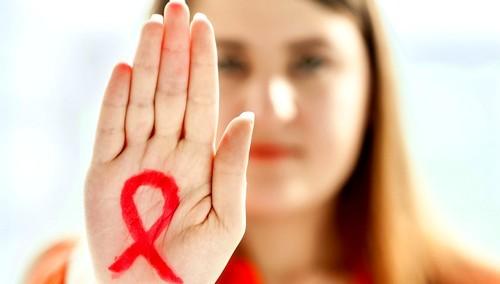 Женщины больше мужчин подвержены риску заразиться СПИДом в процессе секса — Ученые