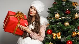 Что подарить второй половинке на новый год?