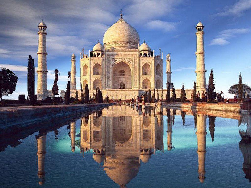 В Индии бушует смертельно опасный вирус
