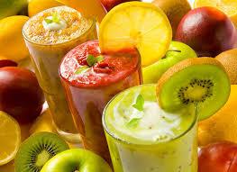 Врачи рассказали, чем опасен фруктовый сок