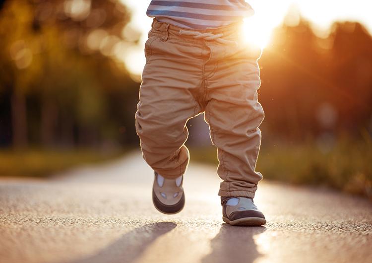 Первая обувь ребенка: что стоит знать?