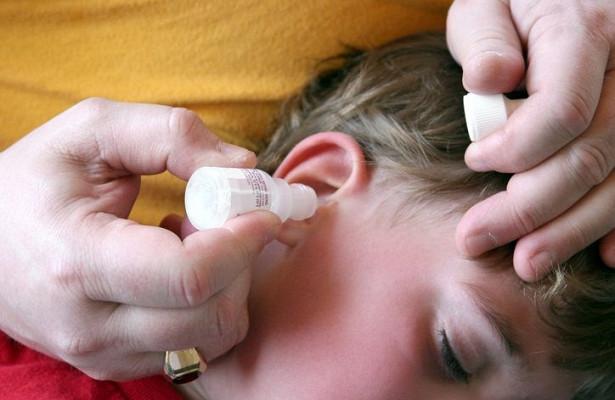 Почему при глотании боль отдает в ухо