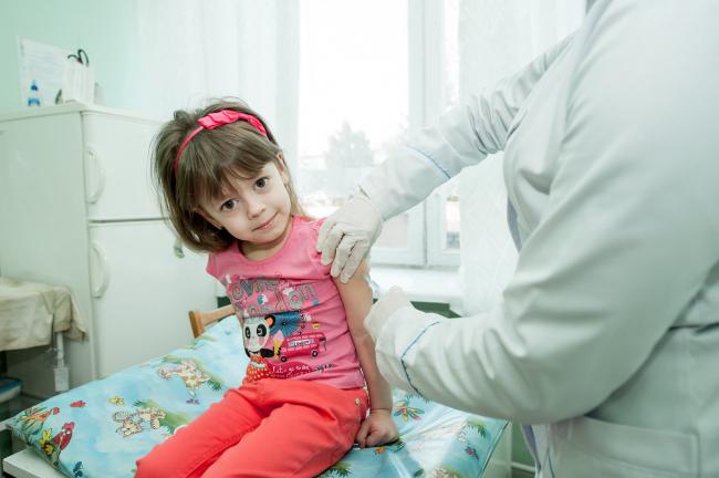 Грипп приближается: когда и как вакцинировать ребенка