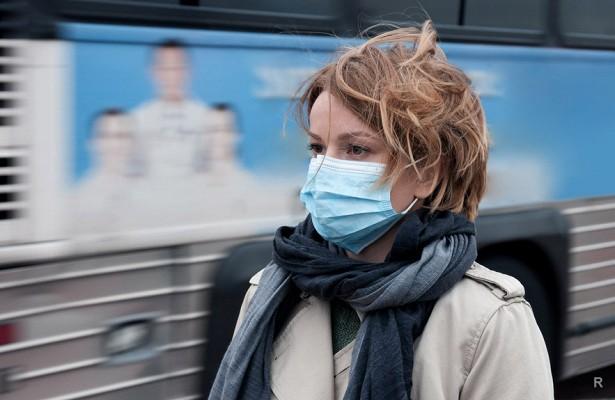 Медицинская маска может защитить окружающих от заболевшего гриппом или ОРВИ