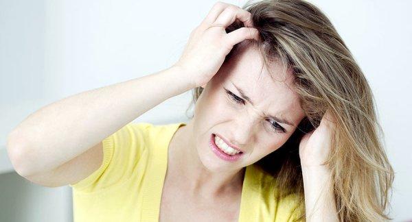 Почему чешется голова и что с этим делать?