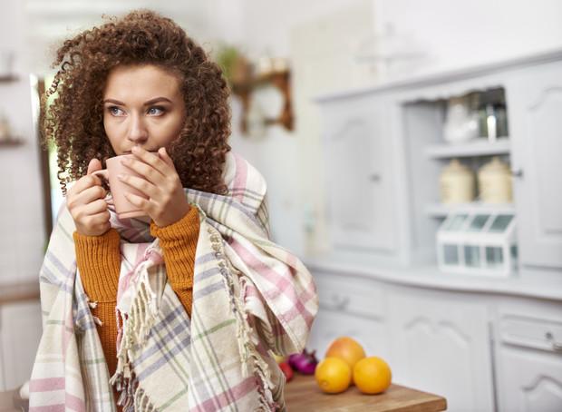 Апельсины, чай, мед — почему их нельзя есть при коронавирусе?