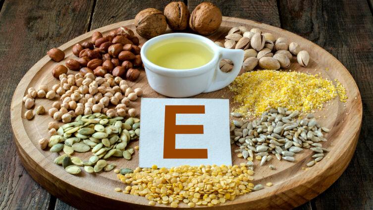 Витамин E: в чем его особенности, польза и вред для здоровья?