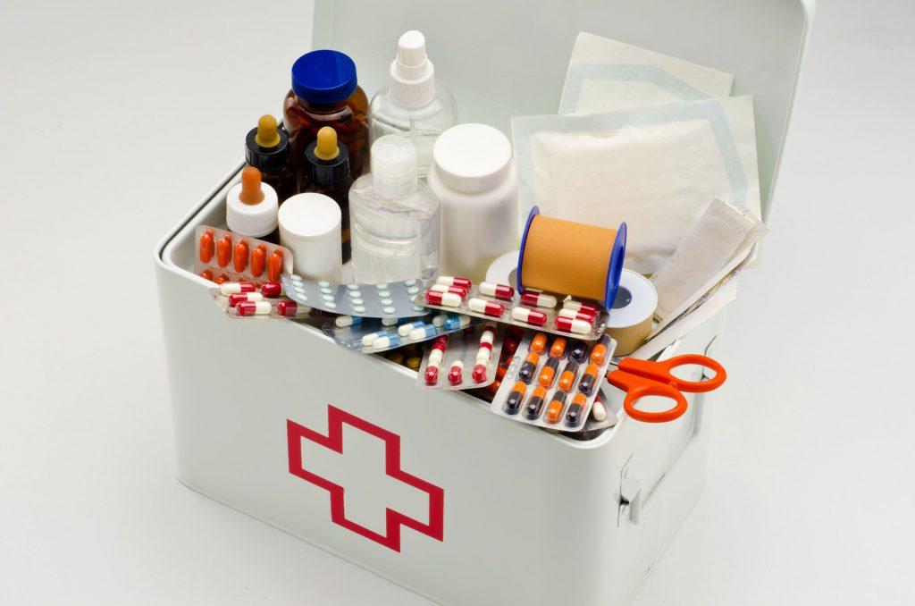 Какие лекарства должны быть в домашней аптечке